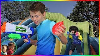 Hello Neighbor Epic Water Balloon Battle!Bunch O Balloons!