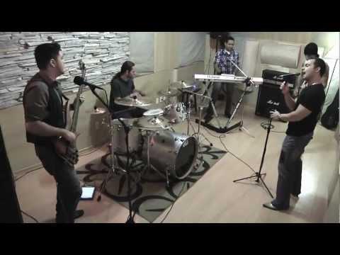 Baixar Banda Bonus Track - This Love - (Maroon 5 cover)