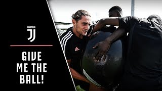 TIGHT-ROPES AND BALANCE-BALLS | Juventus pre-season training in full swing!