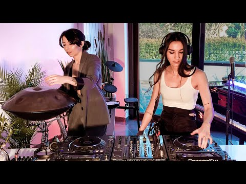 Giolì & Assia - #DiesisLounge @Episode02 [Handpan, Guitar, Piano]