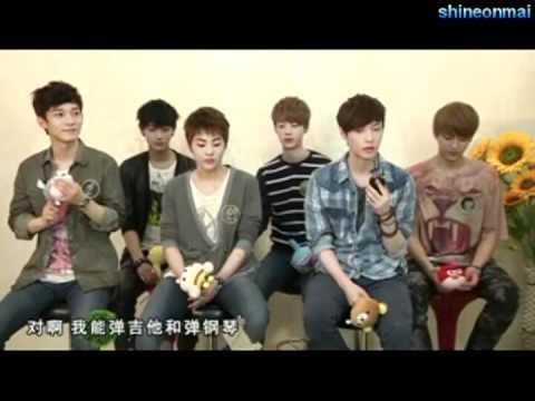 (Eng Sub) EXO-M Xiumin caught feeding Tao xD