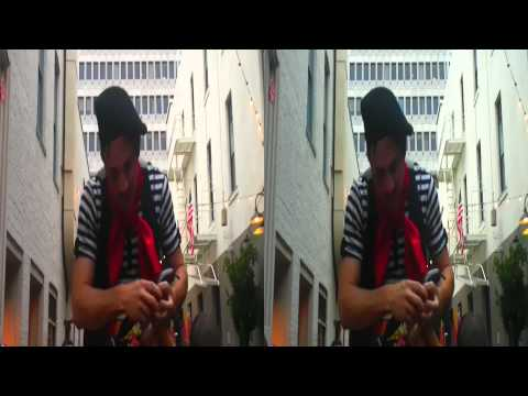 Balloon Artist @Bastille Day Celebration SF 2012(YT3D:enable=true)