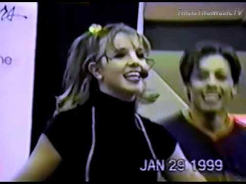Britney Spears - Crazy/Sometimes - LIVE VOCALS! Mall Tour - Part 1