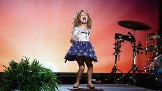 5-Year-Old 'Moana' Fan Sings Her Heart Out