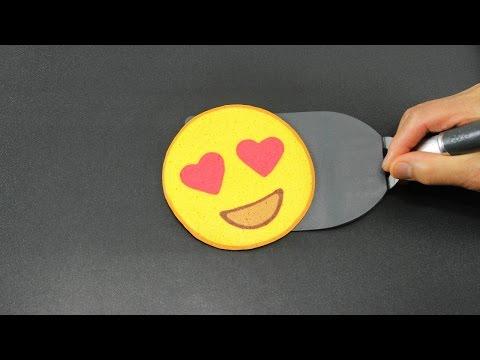 Aprenda pancake art emoji carinha olhos de corao pancake art 0 aprenda como desenhar pancake art ccuart Gallery