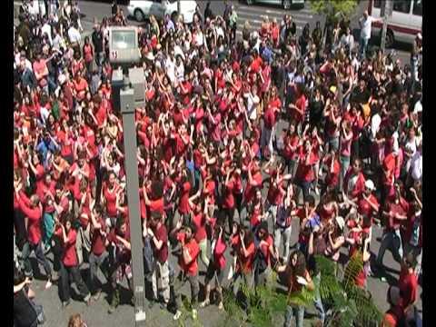 פלאשמוב אחד במאי - נחלת בנימין תל אביב 2010 - May Day Flashmob