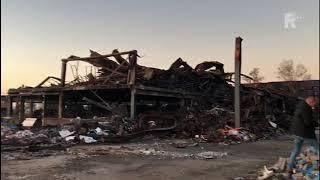Het pand van Montapacking in Molenaarsgraaf wordt gesloopt na de grote brand eind september
