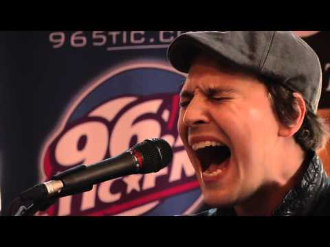 Gavin Degraw - Not Over You Live Acoustic (Excellent Quality)