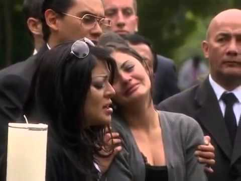 Maureen despide a su mamá con una sentida canción en su funeral