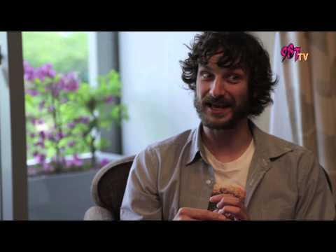 Rozz meets Gotye and he revealed the truth about his relationship with
