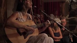 It's all over now baby blue/ Negro Amor (Bob Dylan/ Caetano Veloso) - Gabriella Lima