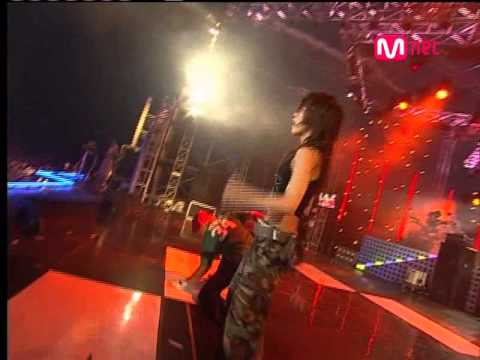 BoA - Moto + Girls On Top [2005.08.19]