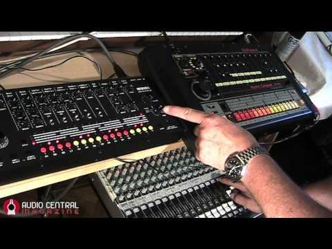 Acidlab MIAMI vs  Roland TR808