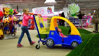 Funny Baby Doll Doing Shopping in the Supermarket video for kids