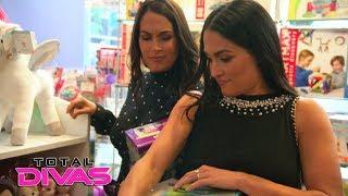 The Bella Twins visit a toy store in New York City: Total Divas Bonus Clip, Jan. 17, 2018