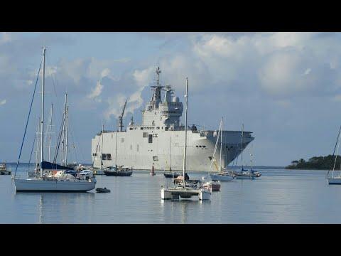 Covid-19: le porte-hélicoptères Dixmude en Guadeloupe pour un soutien logistique   AFP Images