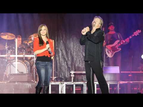 Travis Tritt Sings with his daughter at the North GA  Fair
