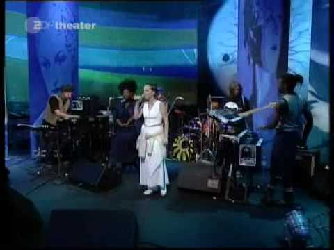 Björk -Aeroplane-Live on Later..