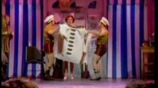 """Sutton Foster Performs """"Show Off"""" on the Tony Awards"""