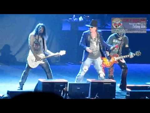 Guns N' Roses GNR - Indonesia Raya / Don't Cry (Ron 'Bumblefoot' Thal intro) live in Jakarta 2012