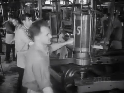 Fascinating 1936 Footage of a Car Assembly Line