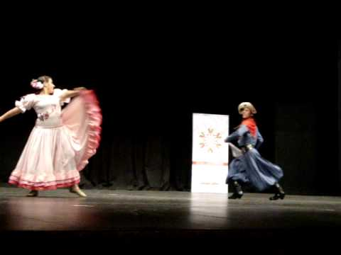 Pareja estilizada (folklore) Nadia y Agustin Torneos bonaerenses juveniles 2012