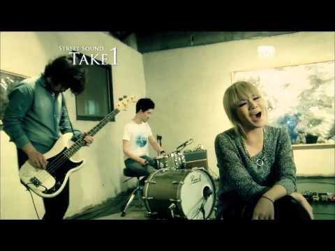 2NE1 - Ugly (Live Session) full HD 1080p