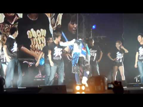 罗志祥 爱疯头/撑腰 (Show Encore World Live Tour 2011- Singapore)