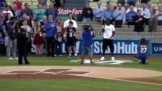 Shawn Stockman of Boyz II Men Sings National Anthem at Dodger Stadium 8-22-12
