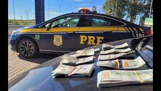 PRF apreende dólares escondidos sob roupa de mulher na BR-290, em Uruguaiana