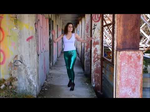 skip highheels green wetlook legging dance