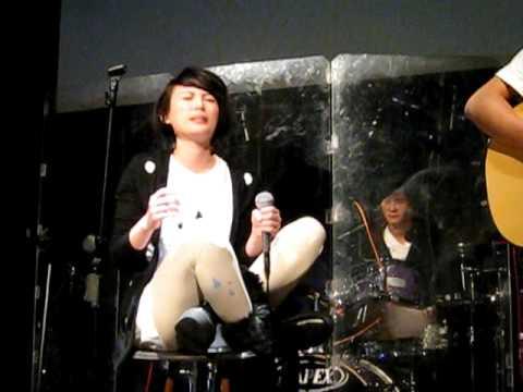2011-01-21魏如萱@「不說話,好嗎」-局部的人