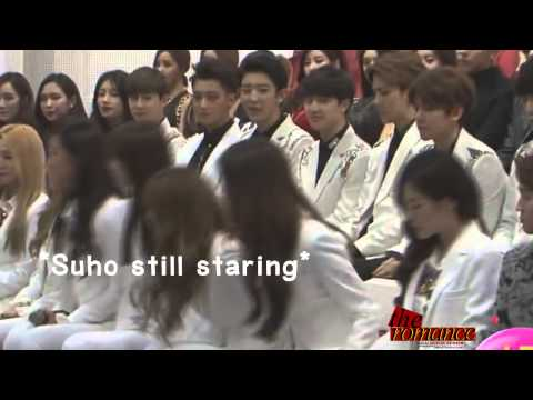 141025 Suho & Seohyun Moment @ KMW in Beijing Press Conference
