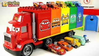 Learning color car Lightning McQueen mack truck play magic children's car toy in the Lego tunnel