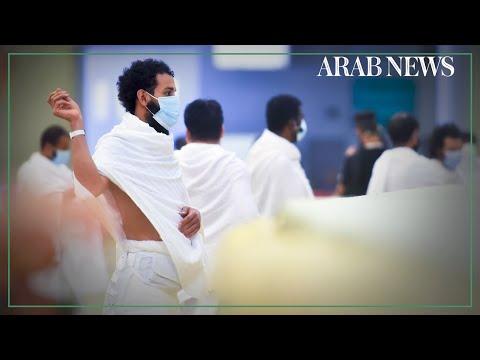 Hajj pilgrims take part in symbolic 'stoning of the devil'