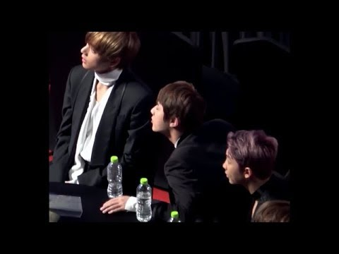 BTS' V reaction to Rosé's Speech in English [CLOSE-UP]