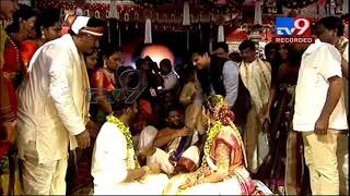 Watch: Vivek Oberoi attends Paritala Sriram's wedding..