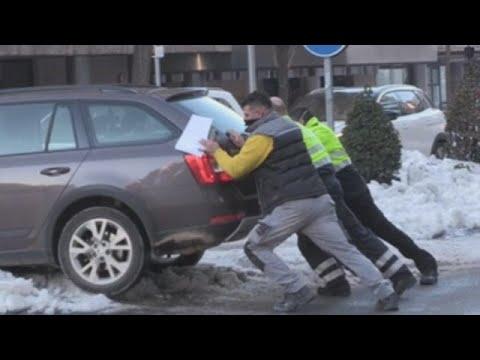 Lucha contra el hielo y la nieve en el centro de España