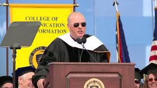 Actor Michael Keaton speaks at the Kent State graduation