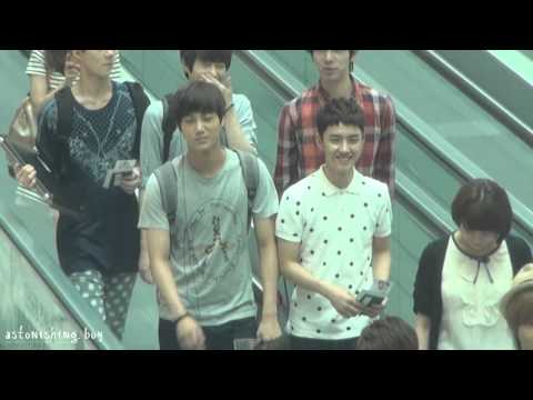 [fancam] 120727 EXO-K KAI & D.O. focus @ Incheon Airport to Thailand