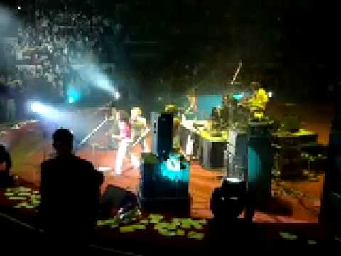 Ранетки - Я в шоке (Концерт в Самаре) 07.03.09