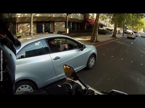 Pali, pisze, rozmawia i... prowadzi auto!