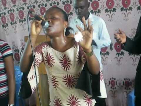 Baixar ESTHER KAZADI DIMANCHE 17 JUIN 2012 TON NOM EST SI MERVEILLEUX JESUS!