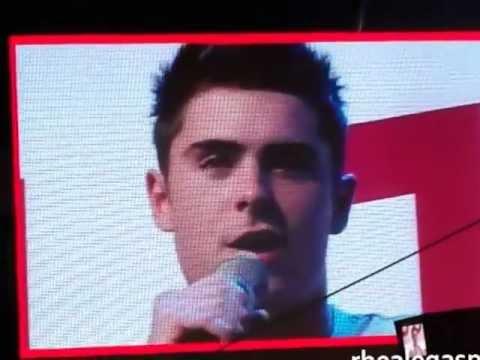 Zac Efron Sings