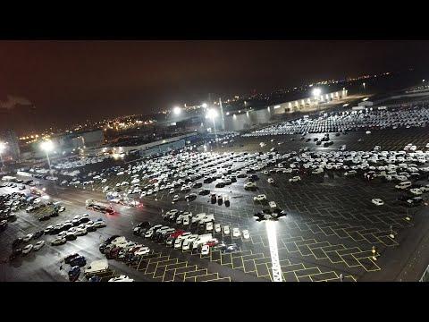 Modus och Titan lyser upp biluppställningsytor hos HallandsHamnar