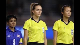 Nữ trọng tài xinh đẹp Joanna Charaktis khước từ bàn thắng Thái Lan vào lưới Việt Nam