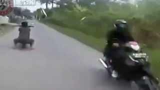 Đua xe gây tai nạn kinh hoàng