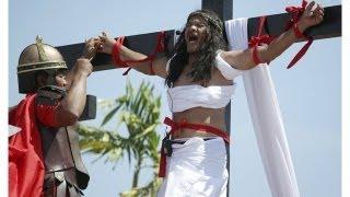 Giáo dân Philippines đóng đinh trên thập giá