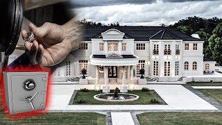 ABANDONED Millionaires Mansion Found Gold Diamond Jewelry & Passport Inside Safe