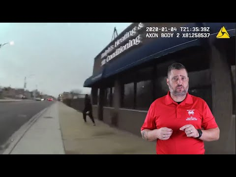Chicago Robber Runs From Officers